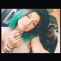 Kylie-Jenner-green-hair